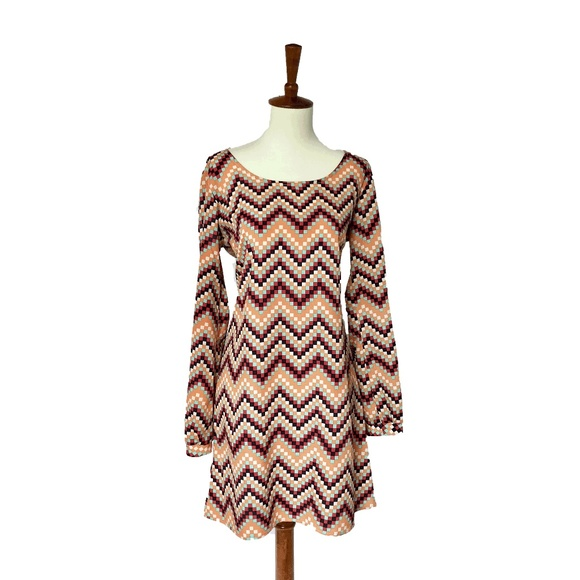 H&M Dresses & Skirts - Chevron Dress